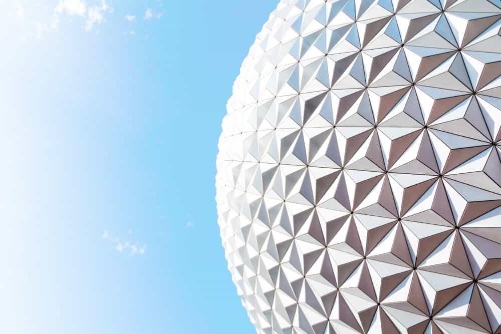 Globe architectural avec effet de perspective