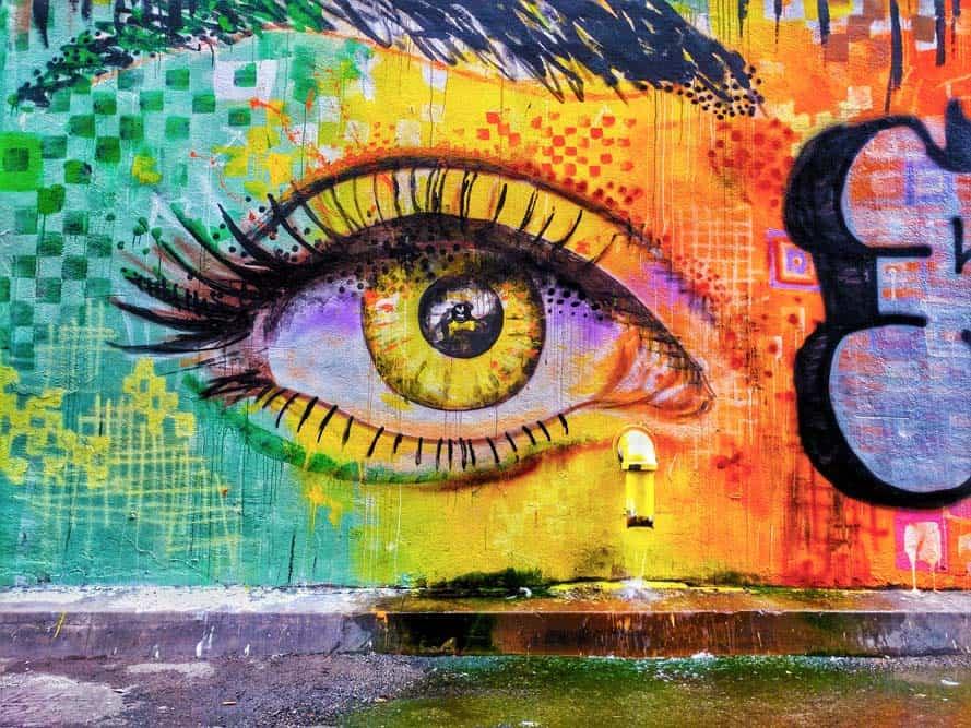 Street art oeil femme